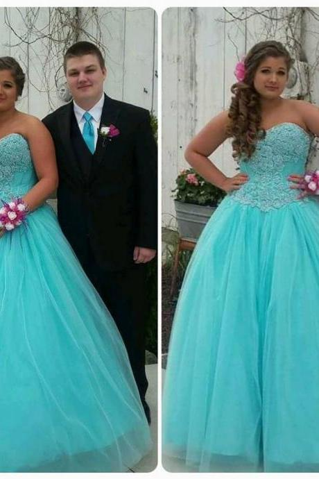Sweetheart Appliques Ball Gown Tulle Prom Dresses 2017